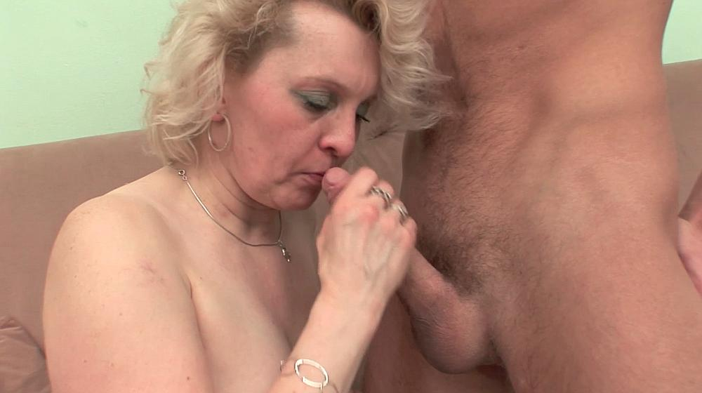 Blow giving job mature wife