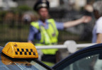 Таксистов предложили лишать прав за отсутствие детских кресел