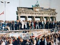 Пол Гринграсс снимет фильм о Берлинской стене