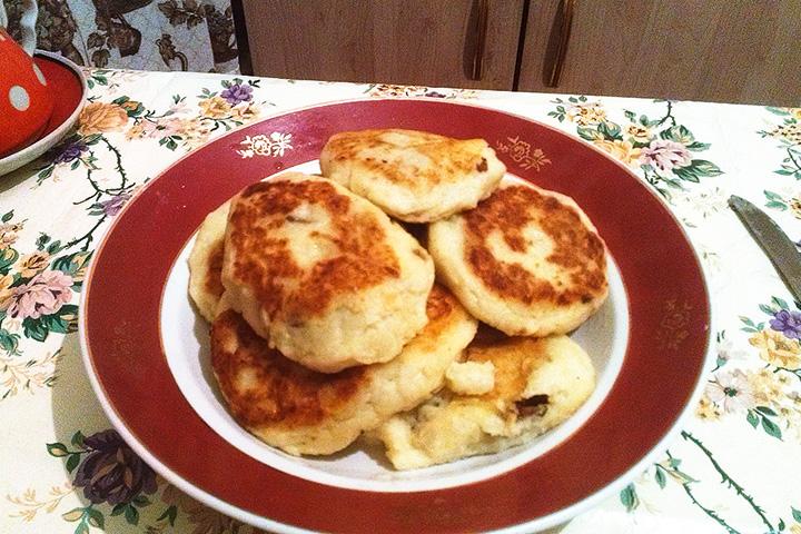 «За полгода домашнего ареста я научился более-менее вкусно готовить. Зразы с грибами — мое лучшее блюдо».