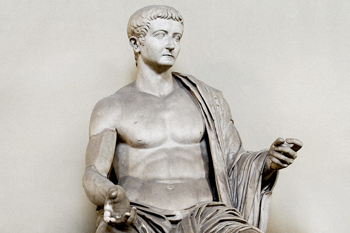 10 чудачеств римских императоров (11 фото)
