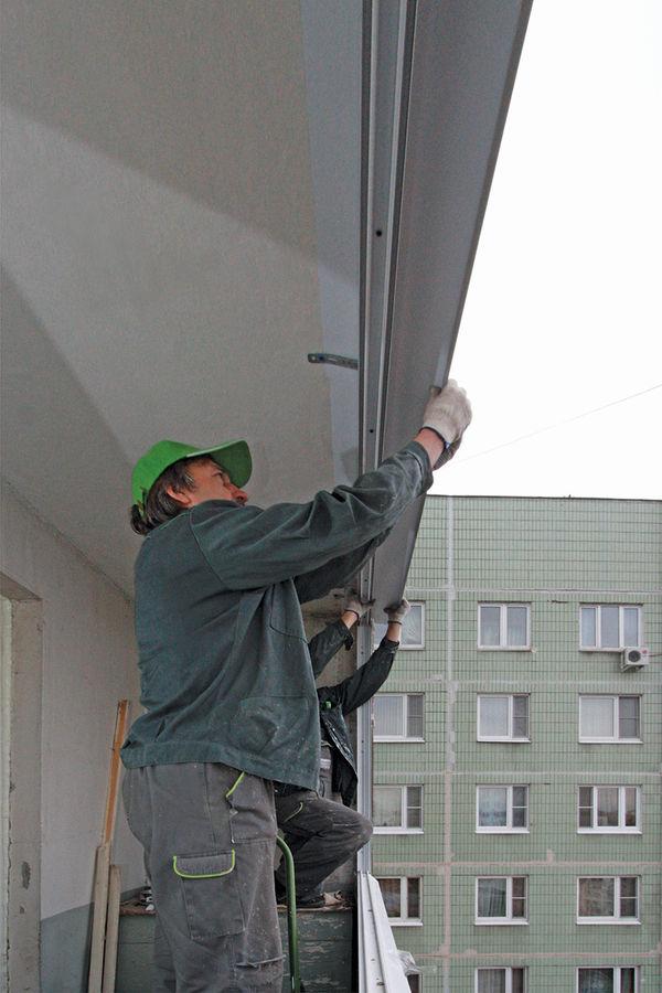 Монтаж окна на балконе - пластиковые окна в москве, производ.