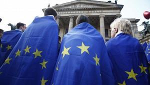 Вторая волна коронавируса ослабила Европу