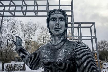 Жириновский предложил новое место дляскандального памятника «Аленке»