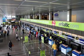 Аэропорт Рига снижает количество рейсов итеряет потоки