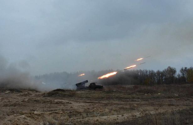 Леонков: ВСУстягивают вДонбасс артиллерию дляпроведения провокаций