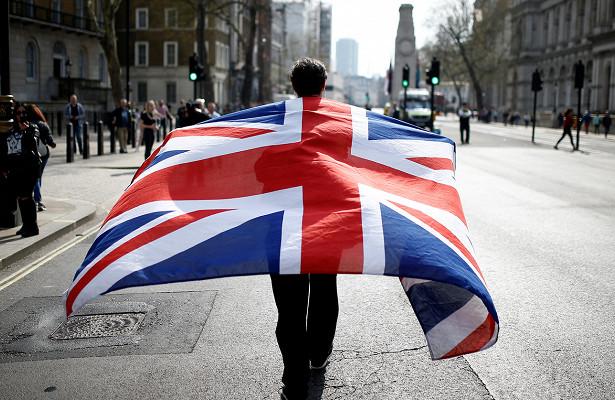 Евросоюз угрожает выйти изпереговоров поBrexit