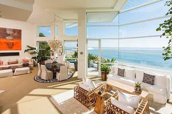 Дом в остров Янина на побережье недорого