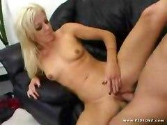 Christina aguilera's big boobs
