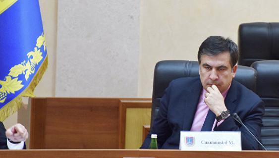 На Украине объяснили, почему Саакашвили «сидит на чемоданах»