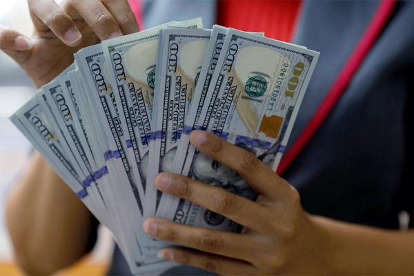 В ЦБ РФ предсказали мировой отказ от доллара и системы SWIFT