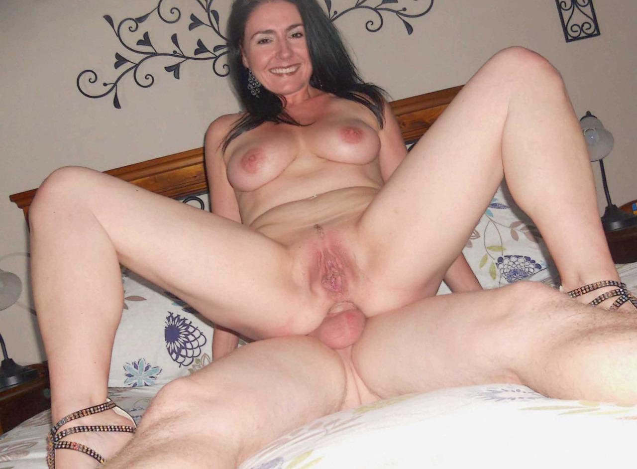 Ebony with big boobs masturbates