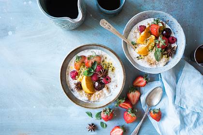 Яйца иорехи: диетолог назвала помогающие выспаться продукты