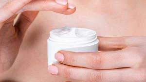 Ученые назвали ретинол эффективным компонентом крема длялица