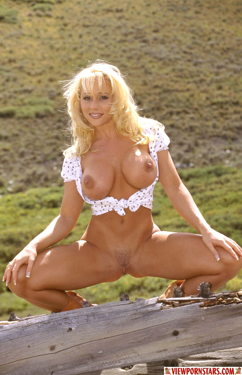 Female Country Music Stars Nude