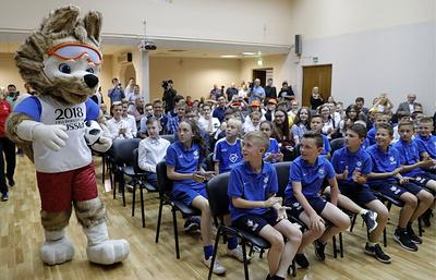 Уроки футбола: школьники увидели Кубок мира ипобывали наарене ЧМзамесяц доегоначала