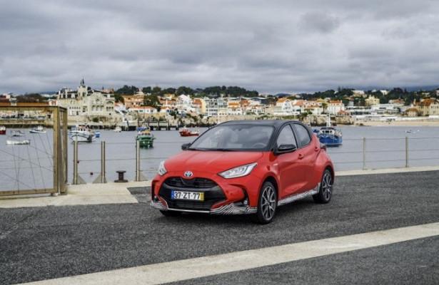 Toyota Yaris вноябре вышел навторое место врейтинге европейских бестселлеров