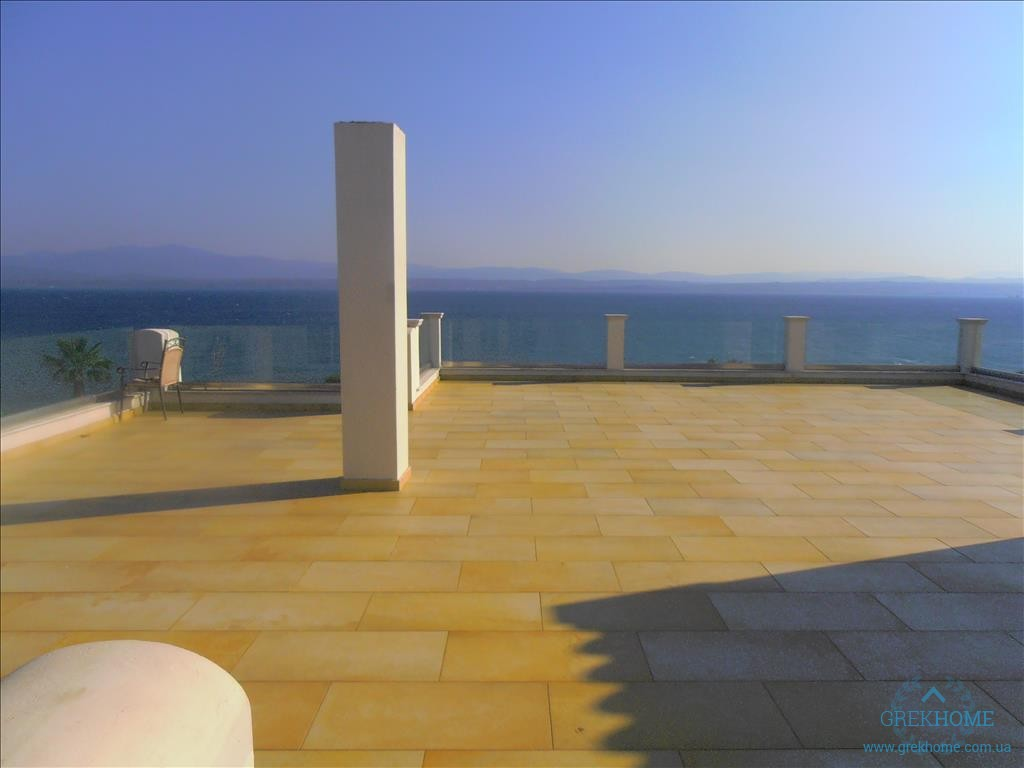 Студия в остров Эвия на берегу моря