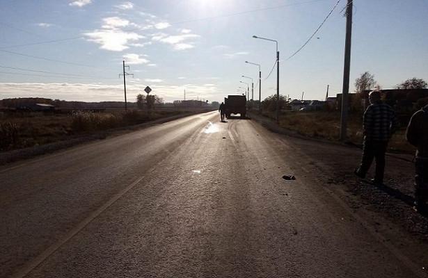 Подколесами авто погибла женщина вЧистоозерном