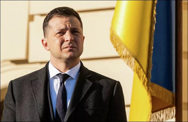 Зеленский выступил против закрытия телеканала НАШ