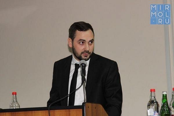 Мурад Дагиров назначен помощником вице-премьера Муслима Телякавова