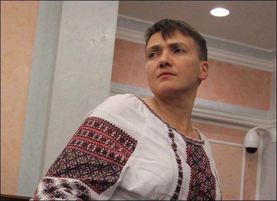 Надежда Савченко просит возить еепоУкраине наавтозаке