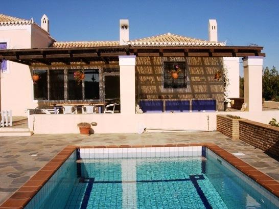 Недвижимость в остров Пирей на побережье цены