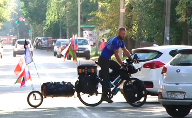 Путем «Нормандии— Неман»: француз проехал 5000 кмнавелосипеде доЯрославля
