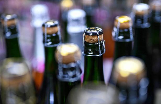 Ритейлеры попросили разрешить онлайн-продажу алкоголя наНовый год