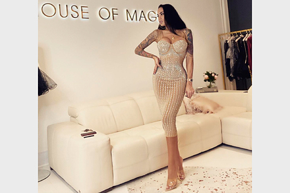 Модель Playboy сутками носила корсет иобрела внешность Барби