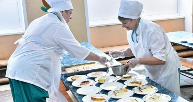 Ярославский губернатор поручил улучшить бесплатные обеды вшколах