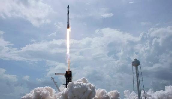 SpaceX несмогла вернуть первую ступень Falcon 9наплавучую платформу