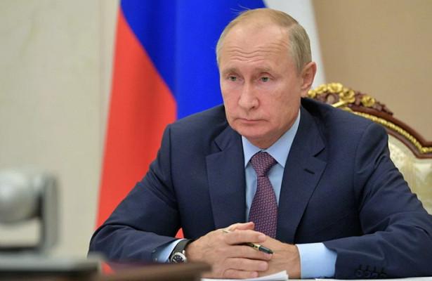 Путин отметил роль военных вборьбе скоронавирусом