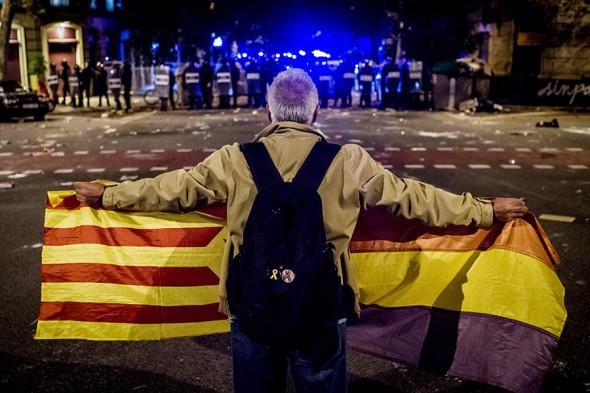 ВБарселоне опять вспыхнули массовые беспорядки