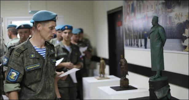 Ивановские десантники выбрали эскиз дляпамятника маршалу Василевскому