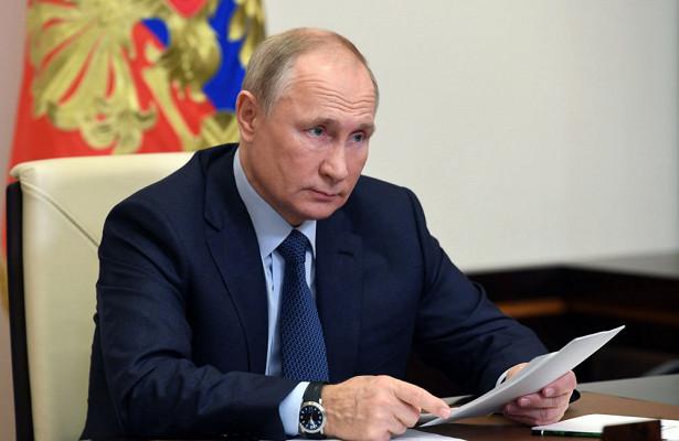 Путин обсудил сСовбезом РФборьбу скиберпреступностью иКарабах