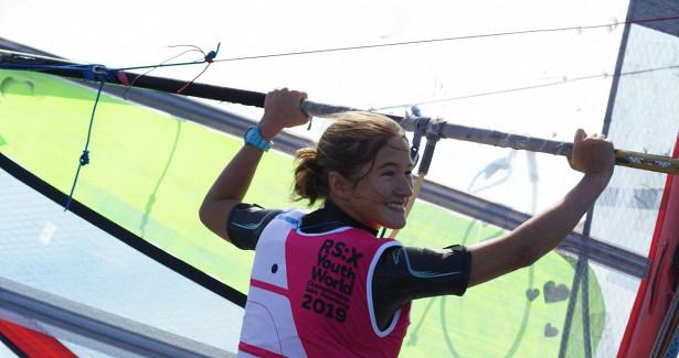 Школьница изХорошёво-Мнёвников стала чемпионкой мира повиндсёрфингу