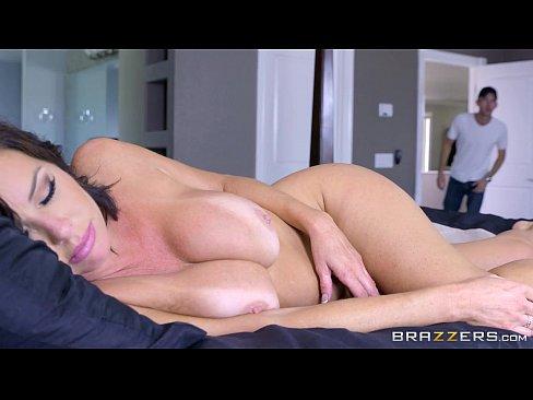 Gorgeous smalltits masturbates private webcam show