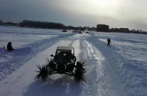 Американские блогеры прокатились польду нажелезных шипах вместо колес