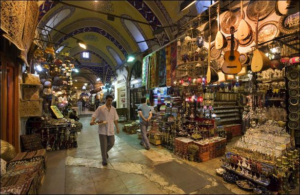 Российские туристы попались науловку, купив сувениры вТурции
