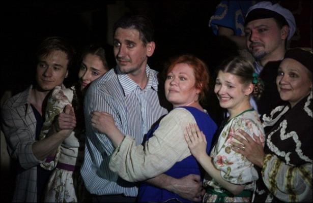 Втопе -7лучших спектаклей весны «Любовь иголуби» Театра наЮго-Западе