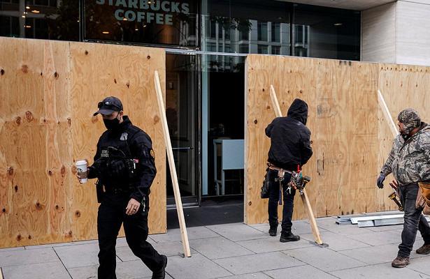 Байден против Трампа: СШАготовятся кбеспорядкам после выборов— «Вэтом году нетничего нормального» (Handelsblatt, Германия)