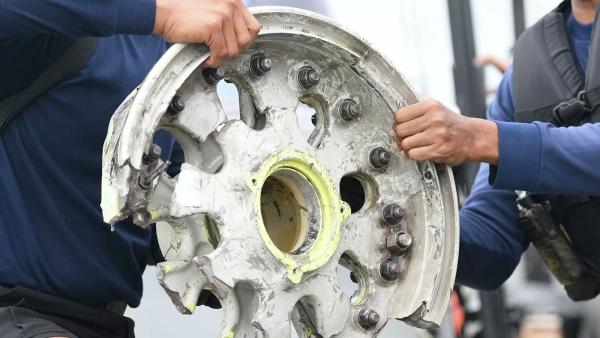 Пилоты изРоссии назвали взрыв причиной катастрофы Boeing вИндонезии