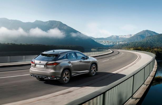 «Чёрный» Lexus RXподорожал кстарту продаж
