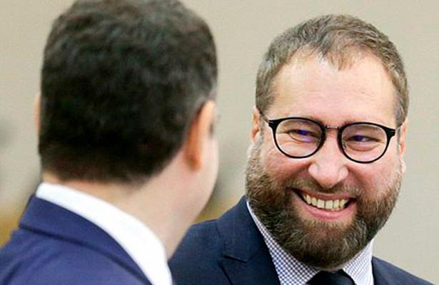 Депутат Госдумы предложил запретить российским госкомпаниям покупать рекламу вFacebook иTwitter