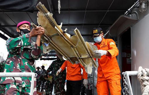 Власти Индонезии сообщили озавершении поисков наместе крушения Boeing