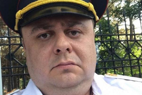 Российский комик попал вДТПсженой идетьми