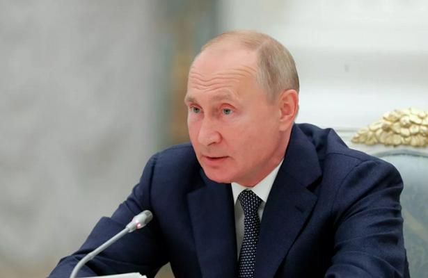 Путин далпоручение опроведении Года Байкала вРоссии