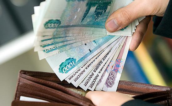 Четверть россиян заявили онехватке зарплаты наосновные нужды
