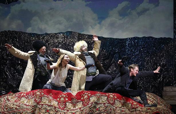 ВТеатре наМалой Бронной наконец поставили спектакль «Бульба. Пир»